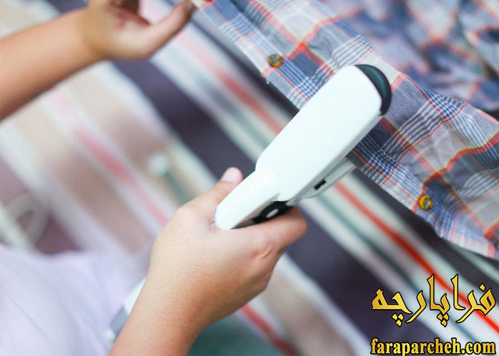 از بین بردن چروک پیراهن با اتو مو